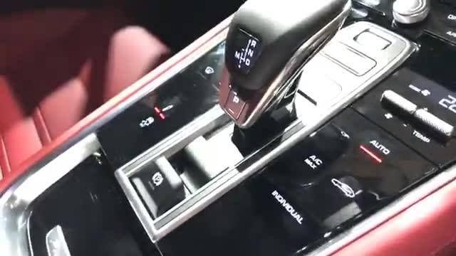 "📹Rabbit Live in Showroom🐰 😵ชมกันชัดๆกับโฉมใหม่หมดจด  ""The New Panamera 4 E-Hybrid"" ✅ถาม ✅ตอบ กับเจ้าของโดยตรง . 📍สนใจทำ Special Config เพื่อให้ Option ตรงกับใจคุณ และบ่งบอกความเป็นตัวคุณได้มากที่สุด เรามีทีมผู้เชี่ยวชาญคอยให้คำแนะนำคุณทุกวันที่ Showroom ครับ . สอบถามเพิ่มเติมโทร: 093-830-2222 . ชมรถรุ่นอื่นๆใน Stock ของเรา ==> http://rabbitautocraft.com/newcars.aspx . Rabbit Auto Craft โชว์รูมและศูนย์บริการรถยนต์ระดับแนวหน้าที่ขึ้นชื่อว่าเป็นกันเอง และจริงใจที่สุด…"