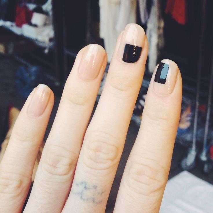 50 ideias de nail art gráfica para copiar já                                                                                                                                                                                 Mais