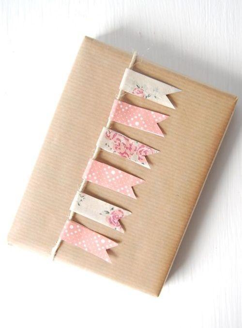 Idea para envolver regalos (y hacer manualidades con niños, todo en uno)