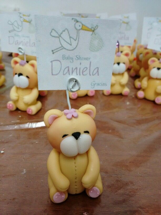 Recordatorio para Baby Shower. Oso en porcelana fria.