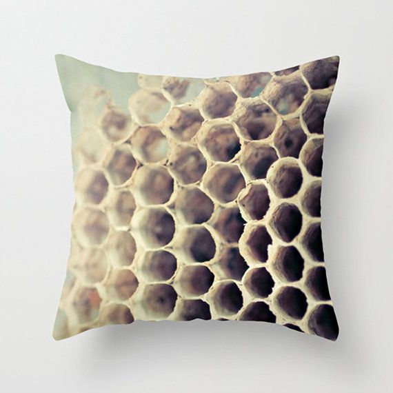 Hive Modern Pillows : 1000+ images about Bee Designs & Products on Pinterest Bumble bees, Honey bees and Vintage bee
