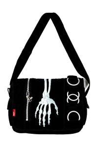 living-dead-souls-skeleton-hand-messenger-style-shoulder-bag-bg-251.jpg (200×300)
