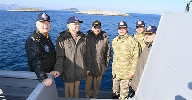 Chief of General Staff Gen. Hulusi Akar on Jan. 29 paid a visit to the disputed Aegean islets of Kardak, the Turkish Armed Forces has announced.