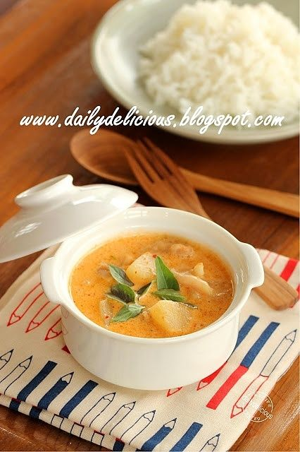 Happy Cooking with LG SolarDom: Chicken with pineapple curry