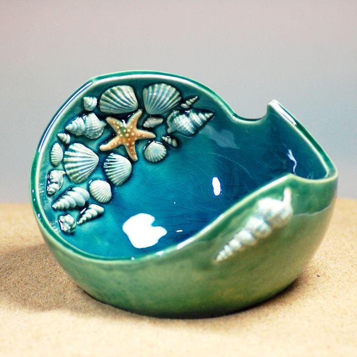 Muschelschale aus Keramik