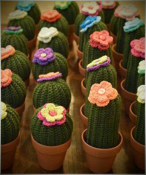 Cactus Con Flor Tejidos Al Crochet En Maceta De Barro Nro 7 - $ 70,00 en MercadoLibre