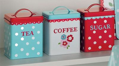 Cheerfully adorable red, white and aqua hued kitchen canisters. #kitchen #canisters #decor #home #red #aqua #vintage #cute