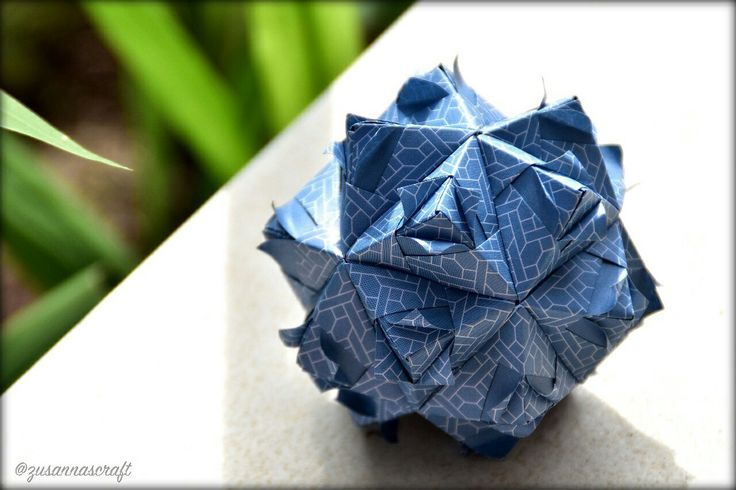 Sonobe  Designer #MariaSinayskaya Folder #zusannascraft Photo by #zusannasphotography #origami #kusudama #modular #sonobe #papercraft #handmade #madewithlove