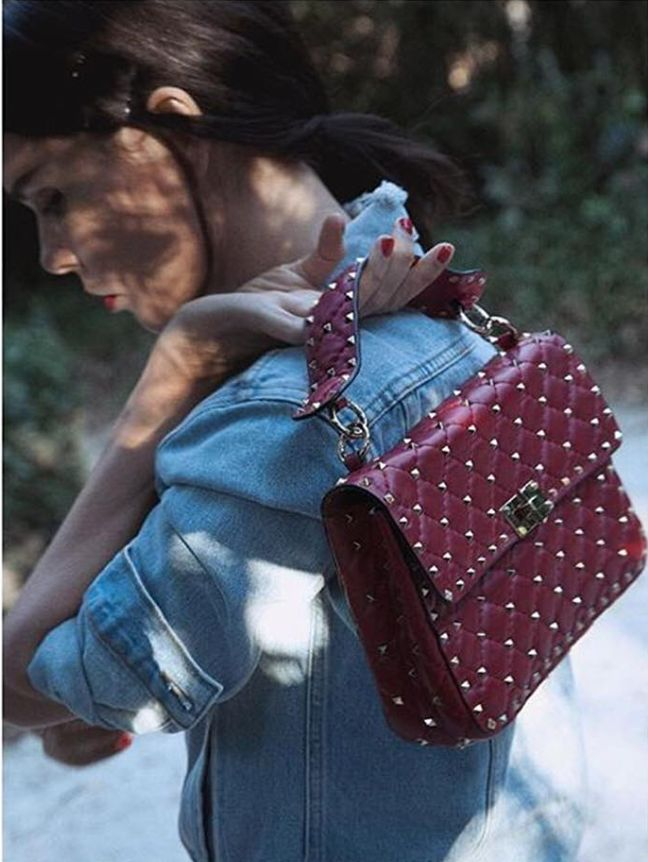 Valentine's day is just around the corner. Who wants this beautiful bag? Shop now @runwaycatalogs link in profile.       #valentinorockstud  #valentinobag #valentino #ootd #outfitoftheday #tenuedujour #lookdodia #whatimwearing #picoftheday #instafashion #instalook #fromwhereistand #myoutfit #whatiwear #lookoftheday #instastyle #todayimwearing #whatiwear #tenueoftheday #valentinesday #maisonvalentino #rockstud  #rockstudbag #valentinowelove
