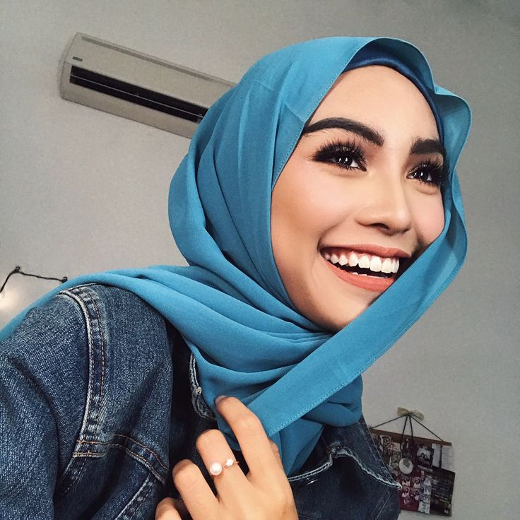 """5,885 Likes, 57 Comments - Sharifah Rose Sabrina (@sharifahrose_) on Instagram: """"Wearing my brightest smile on Friday with @umma.my ✨ They just launched new debut collection today…"""""""