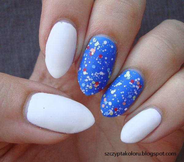 Biało-niebieskie z brokatem Life nr 10 #glitter #matte #nails #nailart