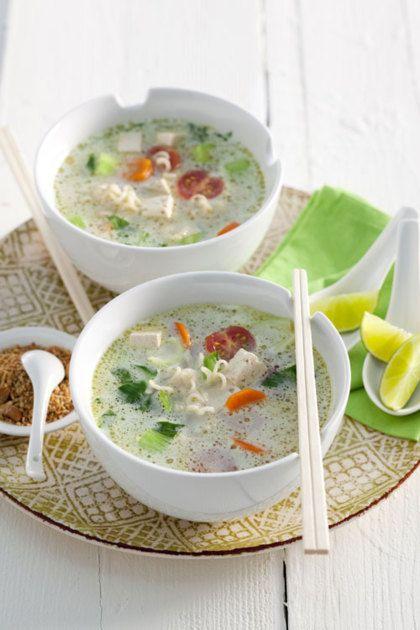 Een erg lekker Oosters recept: vegetarische noedelsoep met tofu en kokos…