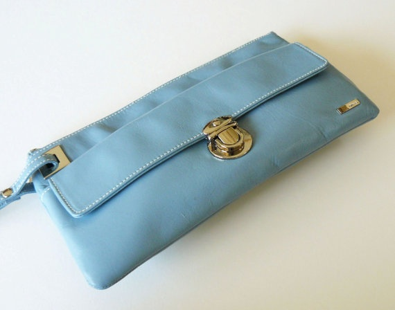 Classic Vintage Perlina Periwinkle Blue Glove Leather Wristlet... must have this! #ghdpastels