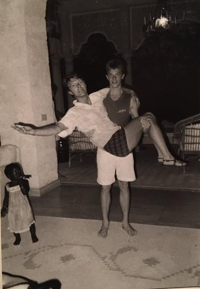 David Bowie and his son Duncan Jones 1980s. http://pic.twitter.com/qKlM9zURoF   Lost In History (@HistoryToLearn) November 27 2017