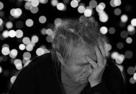 Oggi l'Alzaimer e le malattie mentali sono quasi inevitabili, ma è davvero così? Vediamo se la chiropratica può essere una cura per le malattie mentali.  Molte persone erroneamente pensano che la perdita di memoria, la demenza, l'Alzaimer ed altri acciacchi facciano parte di un evitabile processo