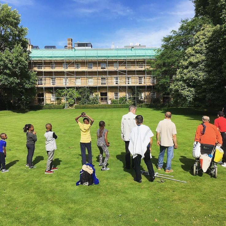 Fun in the sun with visitors from Pembroke House today - we hope everyone has enjoyed their visit!