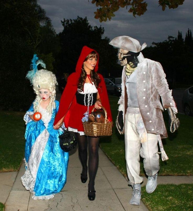 costumes d'Halloween - dame de la cour, le petit chaperon rouge et déguisement de pirate