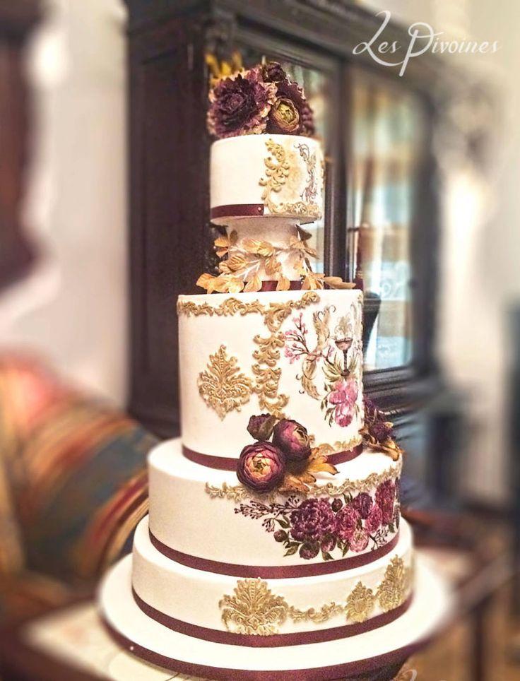 tort de nunta auriu