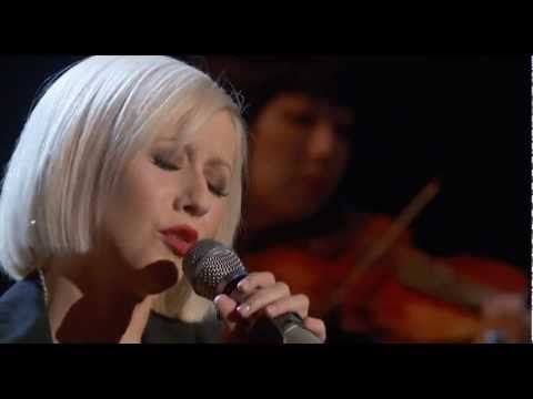 Christina Aguilera - Lift Me Up (Live at Hope For Haiti, 2010) - YouTube