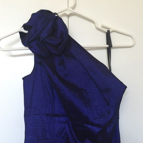 Jessica McClintock Violet Prom Dress Beautiful navy metallic prom dress/bridesmaid dress by Jessica McClintock. One shoulder with feminine ruffle and subtle side slit. Fits more like a Small. Jessica McClintock Dresses One Shoulder