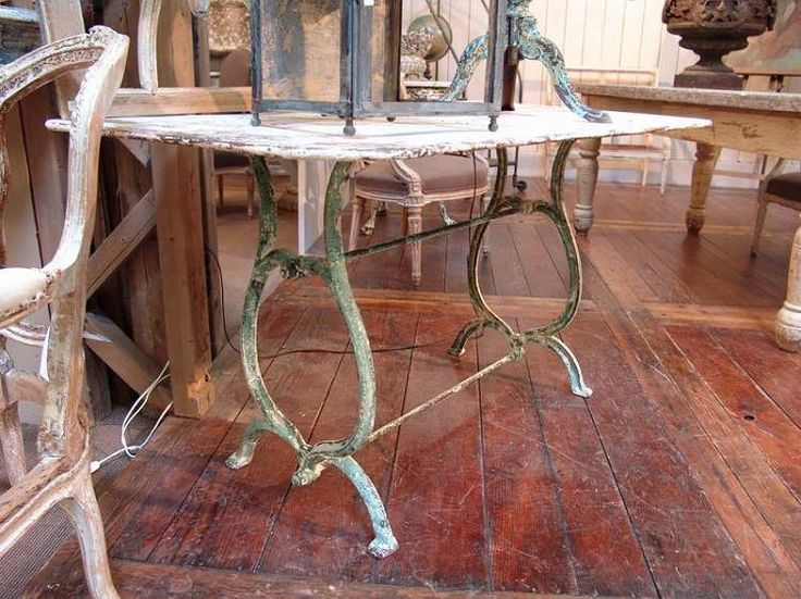 Antique French Metal Garden Table with Original Paint   SOLD. Best 25  Metal garden table ideas on Pinterest   Cozy home