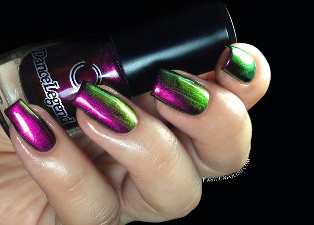 This girl knows how to photograph multichromes. Amazing pictures <3  Dance Legend Chameleon multichrome collection Review! | Fashion Polish