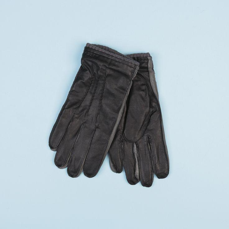 #brand #brandpl #fallwinter14 #fall #winter #autumn #autumnwinter14 #onlinestore #online #store #shopnow #shop #fashion #mencollection #men #gloves #black #guess #leather