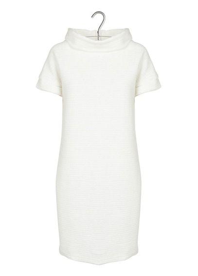E-shop Robe Loose En Maille Texturée Blanc Naf Naf pour femme sur Place des tendances Groupe Printemps. Retrouvez toute la collection Naf Naf pour femme.