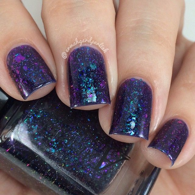 I'm gonna share some more swatches of The Moon Shard Series by @alchemylacquers.  These should be restocked soon!  This is 'Lo' and it is gorgeous!  Look at that shiftiness.  This is 3 thin coats plus top coat.  Be sure to follow Rebecca @alchemylacquers for updates on restocks!  You need this polish.  #alchemylacquers #lo # #moonshards #moonshardseries