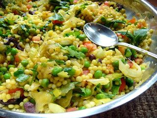 De Gevulde Olijf: Israëlische Couscous salade