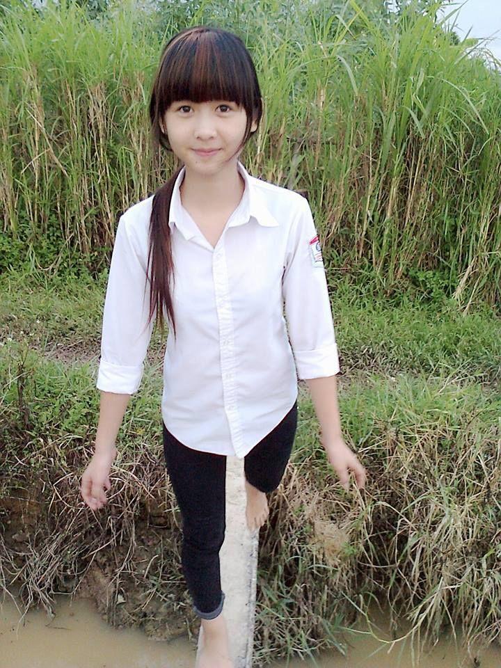 Girl xinh Ngố Thư - nữ sinh vùng quê xinh xắn đáng yêu