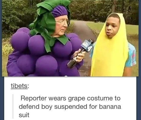 A news reporter standing up for a kid's right to wear a costume! | 33 Pictures That Will Make You Proud To Be A Human Being Again