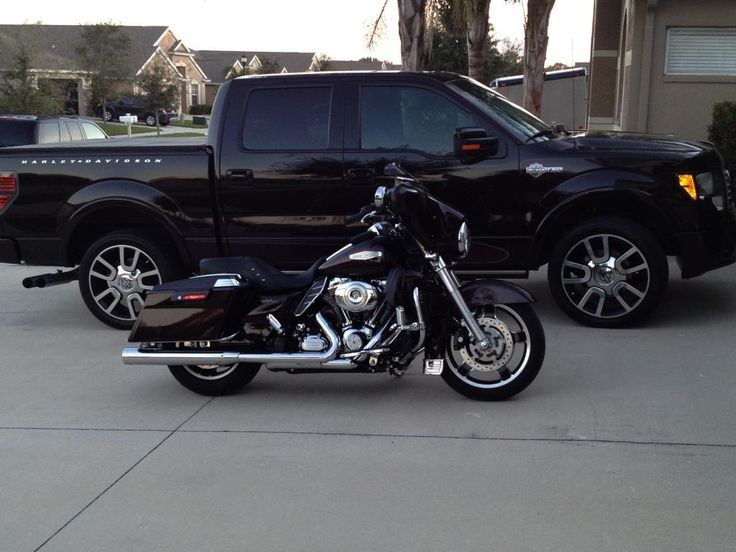 FORD F-150 Harley Davidson series...what makes it special? Twin turbochargers live under the hood!!!!!