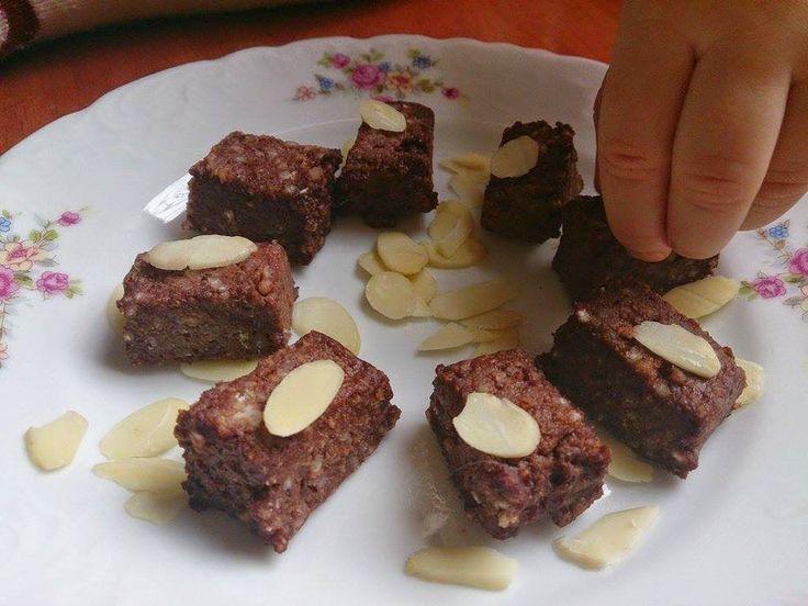 Kostki migdałowo - kakaowe