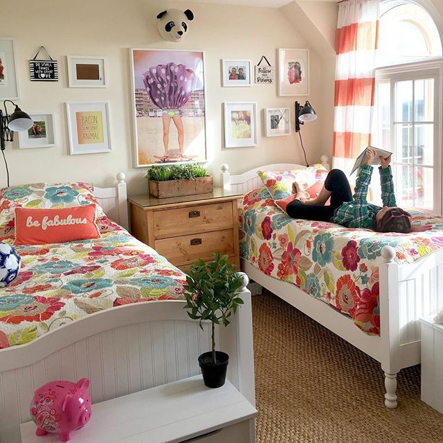 best 25 two girls bedrooms ideas on pinterest girls twin bedding two twin beds and girls. Black Bedroom Furniture Sets. Home Design Ideas