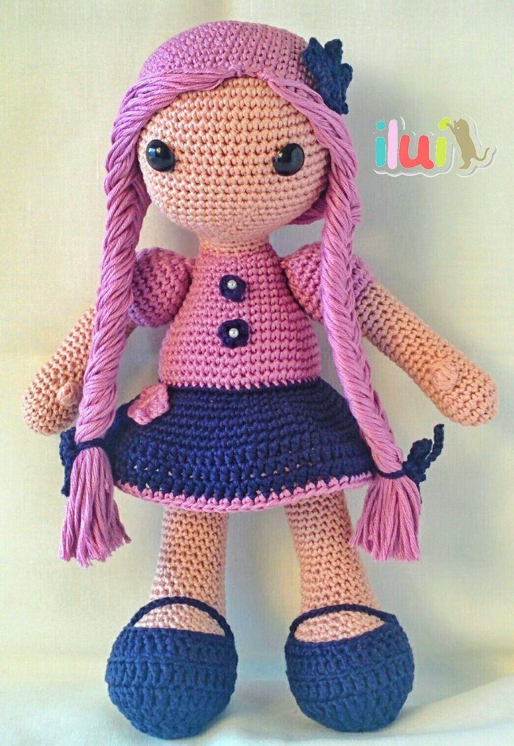 Muñeca hecha a mano con hilo de algodón por ILUÍ. https://www.facebook.com/ilui.es/