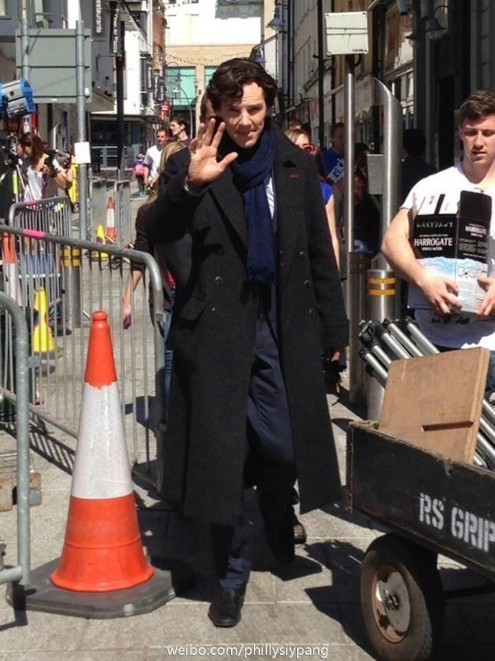 Sherlock, Benedict in Cardiff for filming episode 3 of season 3  x