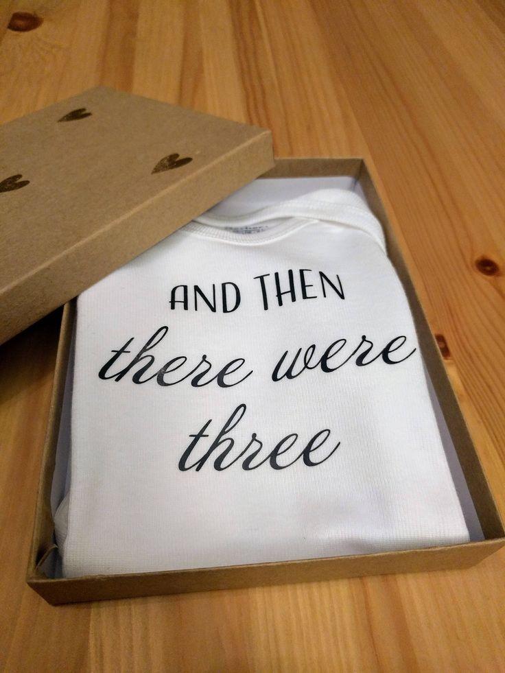 Onesie Announcement Box, Onesie Announcement, Pregnancy reveal to husband, Pregnancy announcement, Announcement box, Baby reveal Box by ExpectingThreads on Etsy https://www.etsy.com/au/listing/557369766/onesie-announcement-box-onesie
