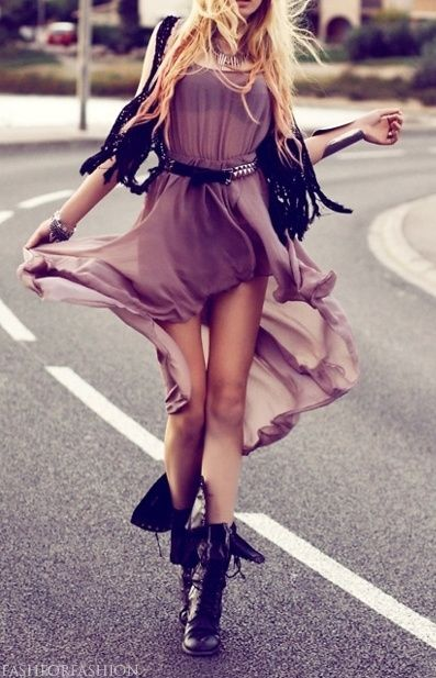 rock chick with a bit of elegance , love it! <3