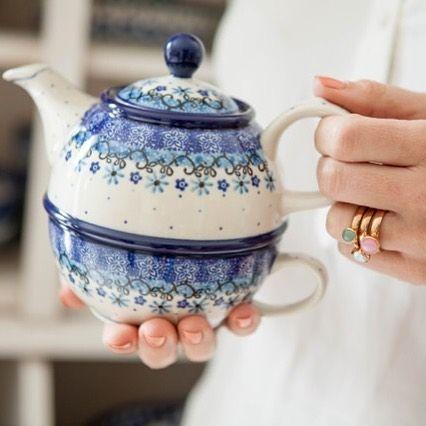 Would you like a cup of tea? Bunzlau Castle || Lifestylemagazine spring/ summer 2016 #Polishpottery #pottery #tableware #home #bunzlau #BunzlauCastle #Stoneware #Bluekitchen #polishblue #Bunzlauservies #kitchen #textile #coffee #tea #teatime #dinner #blue #bake #baking #countrylife #bunzlaucastle #country #blue #blueandwhite #trendy #bohochic #home #handmade #tableware #tea. #bunzlau #bunzlaucastle #teaforone #handmade