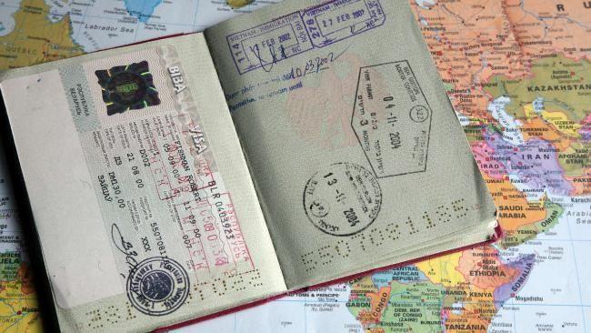 Migration in Deutschland: Jeder 5. Einwohner hat ausländische Wurzeln http://www.bild.de/politik/inland/zuwanderung/in-deutschland-so-hoch-wie-noch-nie-42042228.bild.html