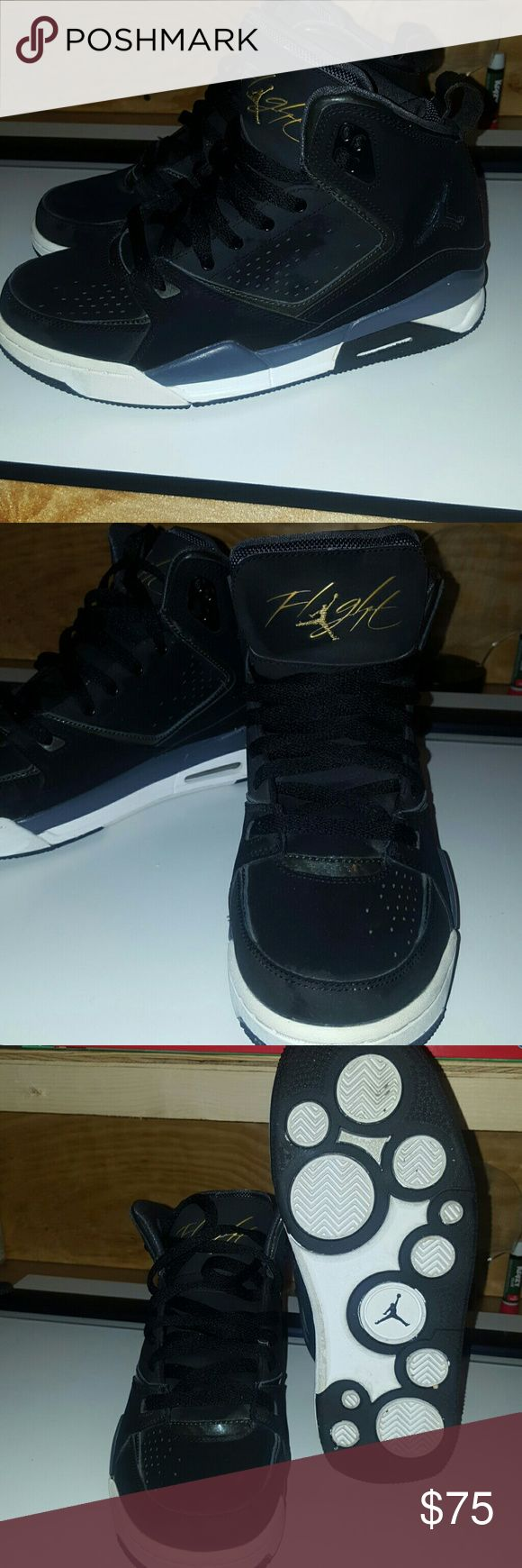 Women's Jordan flight shoes Black and gold Jordan flight Taken care of Condition 9/10 Price as shown or best offer , comment Jordan Shoes Sneakers