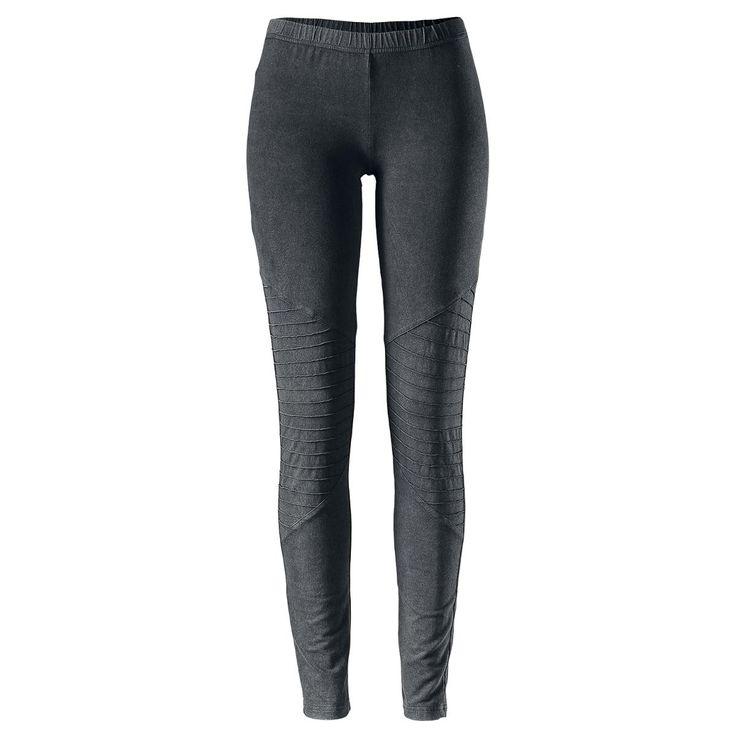 Black Premium by EMP:n Ladies Biker Knee Leggings -leggingsit tekevät sinusta oikean prätkämimmin. Kulutuspestyt mustat legginsit ovat tosi näyttävät polvien ympäriltä ja sopivat täydellisesti yhteen prätkäsaappaiden tai nahkatakin kanssa. Materiaalina on 95% puuvillaa ja 5% elastaania, joten housut istuvat mukavasti.