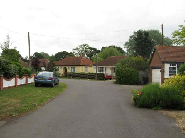 Land plot in Wraysbury, Windsor and Maidenhead (United Kingdom) - Freehold lands Thames Field and Coppice Drive