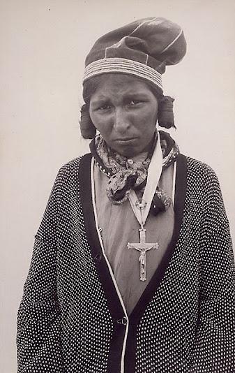 Innu woman - Circa 1930 - Name, location & photographer unidentified.