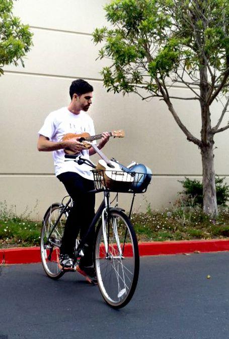 54 best ukulele magazine images on pinterest ukulele amazing ukulele magazine celebrates bike to work day fandeluxe Image collections