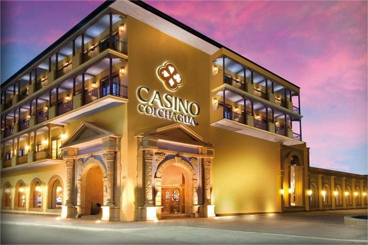 Casino Colchagua está en la pequeña localidad de Santa Cruz rodeada de bellos viñedos.
