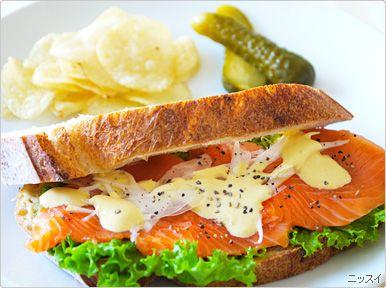 【写真】サーモンのサンドイッチ