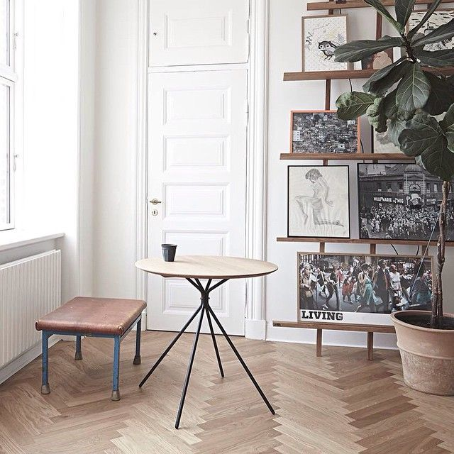 Another picture of the new #frisbee #cafetabel from our photo shoot the other day @tinastephansenstudio55 #hermancph #danishdesign #nordic #cafe #haveagreatweekend