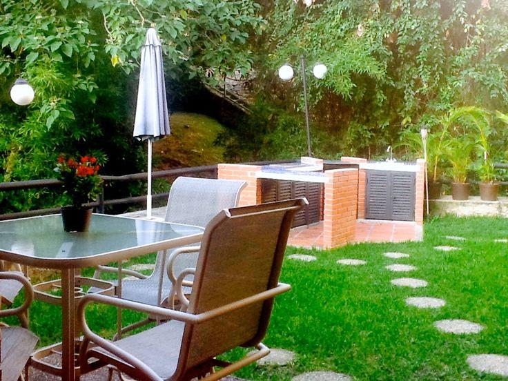 Jardín privado en apto. PB edificio en El Peñón
